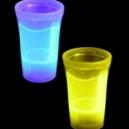 Copas de neon y vasos para fiestas